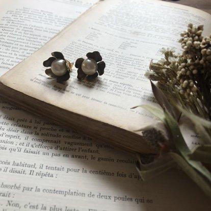コットンパール花びらピアス