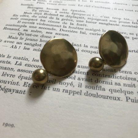 真鍮プレート&ボールピアス