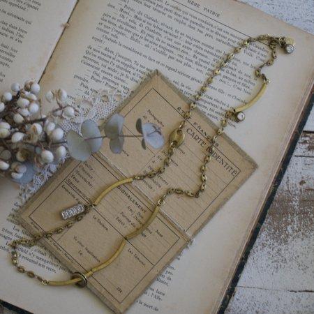 角パイプとアンティークチェーンのネックレス by Unaca