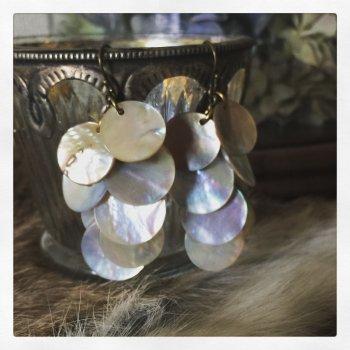 白蝶貝シェルピアス