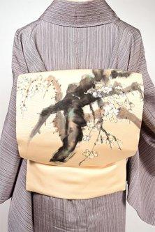 薄香色地に水墨画のような枝垂れ梅花図美しい正絹塩瀬名古屋帯