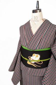モノクロームとブラウンのストライプモダンな変わり織り地単着物
