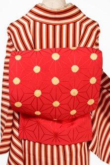 紅色麻の葉地にたまご色の本絞り水玉模様愛らしい名古屋帯