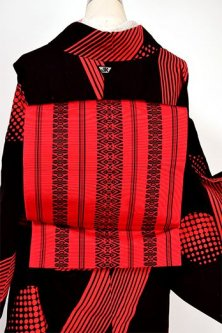 赤地に黒の献上獨鈷縞小粋な博多織風開き名古屋帯