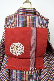 ルージュブラウンストライプにボヘミアン刺繍レース飾り美しいウール名古屋帯
