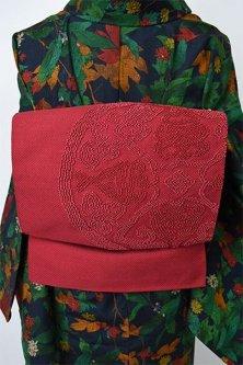 ダークルージュに柘榴アラベスク美しい相良刺繍名古屋帯