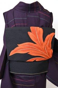ノーブルブラックにファイアオレンジのリーフアラベスク美しい紋綴織開き名古屋帯