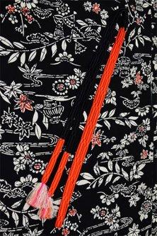 帯締めと昔着物の柄帯揚げ・半衿セット(古典草花黒と緋)