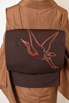 黒鳶色に緋と金の鶴の刺繍美しい正絹塩瀬名古屋帯