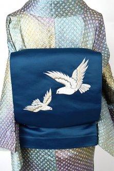 ネイビーブルーに鳩のような白い鳥の刺繍美しい開き名古屋帯