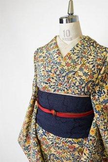 薄香色に四季の花丸文様美しい正絹縮緬袷着物