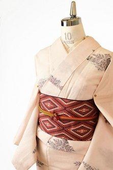 アプリコットベージュにヨーロピアンレースのような菱文様美しいサマーウール単着物