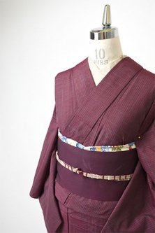 ラズベリーカラーにアクアブルーの紬縞美しい単着物