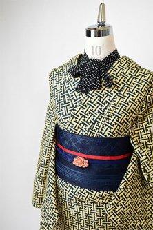 ネイビーとベージュの紗綾形文様ナチュラルモダンな正絹紬単着物