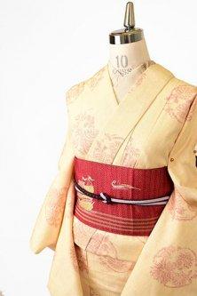 薄香色と深紅の花丸文様美しい正絹紬単着物