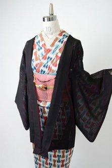 ルビーブラックにリーフ刺繍ロマンチックな猫の羽織紐付き紗の薄羽織