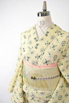 クリーム色に深い緑の絣模様涼やかなサマーウール単着物〔七緒掲載商品〕