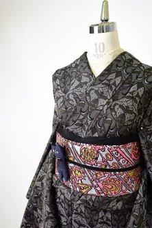 セピアグレーにヨーロピアンレースデザイン美しいお召風単着物