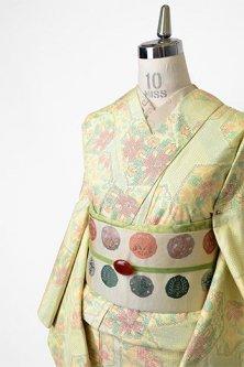 クリームイエローに絣唐花亀甲美しい正絹紬単着物