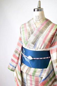 アイボリーにパステルチェックモダンな正絹紬袷着物