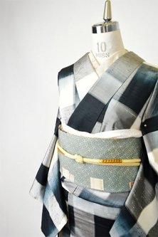 モノトーンチェックモダンな正絹紬袷着物