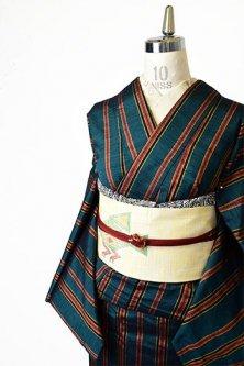 高麗納戸の深い緑に縞模様小粋な正絹紬の袷着物