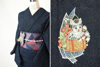 ダイヤモンドネイビーに猫のボヘミアン刺繍愛らしいウール化繊単着物
