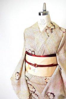 ラズベリーガーデンカラー梅花文様愛らしい総絞り袷着物