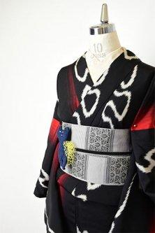 赤黒グラデーションストライプにグラフィティラインモダンな正絹御召袷着物