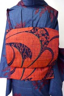 スカーレットルージュにアラベスモダンデザイン美しい正絹紬名古屋帯