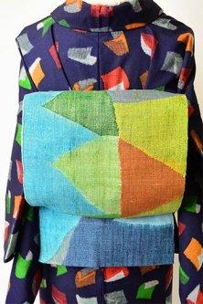 恐竜の背中のようなクレパスカラージグザグ幾何学モダンな正絹紬開き名古屋帯