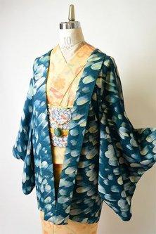 ターコイズカラー羽のようなブラシタッチデザインモダンなレトロ羽織