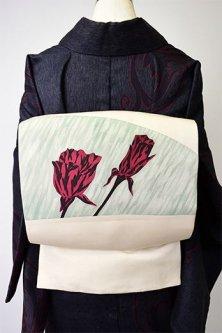 アイボリーに曇りガラスと薔薇の花ロマンチックな正絹塩瀬染め名古屋帯