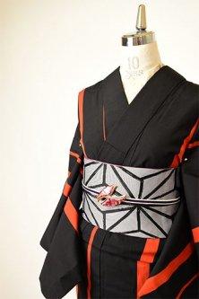 ブラックとルージュオレンジのアシンメトリーストライプモダンなウール単着物