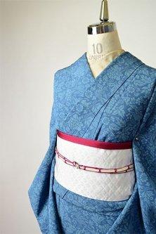 スモークブルーに花鳥アラベスク美しい化繊単着物
