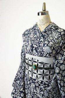 モリスファブリックのようなモノクローム花鳥鹿蝶アラベスク美しい化繊絽の夏着物