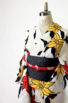 白地に朱と黄の百合の花美しい注染レトロ浴衣