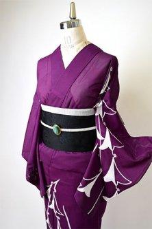 深紫に釣鐘水仙の花のような鳥連なる化繊絽の夏付下げ