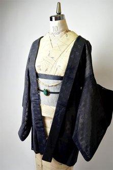 ノーブルブラックにミルフルール美しい紗の薄羽織(猫の羽織紐付)