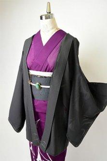 黒地に芭蕉のようなリーフモチーフ浮かぶ絽の薄羽織(折り鶴の羽織紐付)