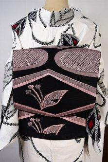 ブラックとパウダリーピンクのメルヘンチックデザインモダンな単帯