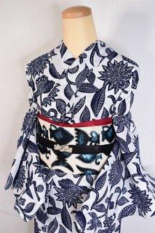 白地に紺のヴィクトリアン・アラベスクロマンチックな注染レトロ浴衣