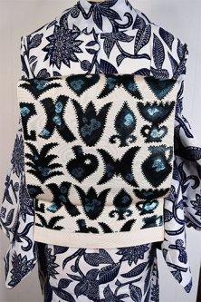 アイボリーとメタリックブルーブラックの装飾模様ファンタジックな単帯