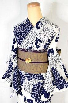 白地に紺の紫陽花が清々しく美しい注染レトロ浴衣