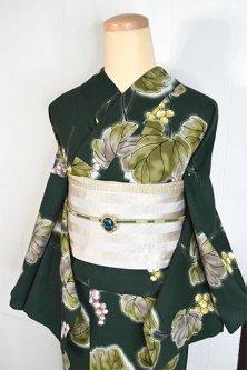 Kansaiダークグリーンに山ぶどう美しいモダン浴衣