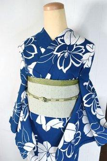 スモークブルーと白の小夏椿のような花模様美しい注染レトロ浴衣