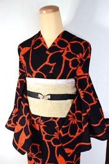 黒とオレンジの花立涌ストライプモダンな注染レトロ浴衣