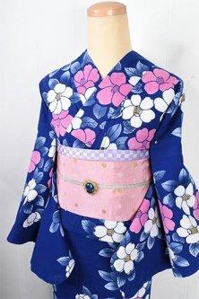 紺瑠璃色地に白と桃色の椿の花愛らしい注染レトロ浴衣