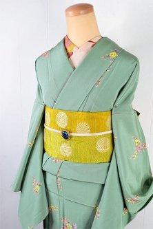 スモークミントグリーンにフローラモチーフロマンチックな正絹縮緬単着物