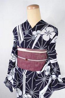 濃紺地に麻の葉に縞と菱花が粋な注染レトロ浴衣